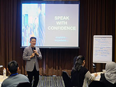 Foto Amazing Public Speaking Training